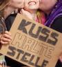 Kusshaltestelle Festivalpappe